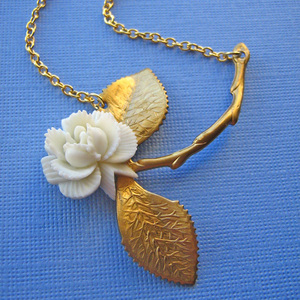 Eclectic Eccentricity vintage rose necklace jewellery Where wild roses grow