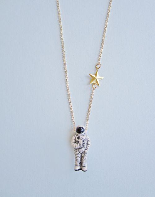 Astronaut_necklace_2