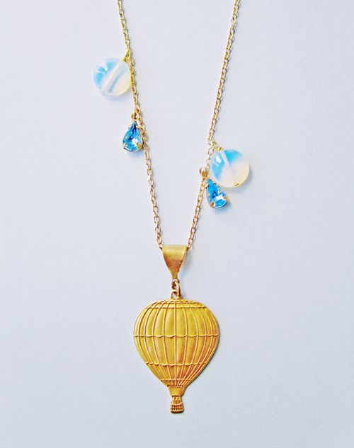 Moving_on_up_hot_air_balloon_necklace_1C