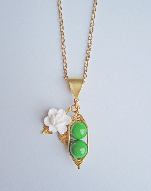 Peas_in_a_pod_necklace