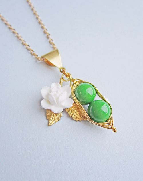 Peapod_necklace