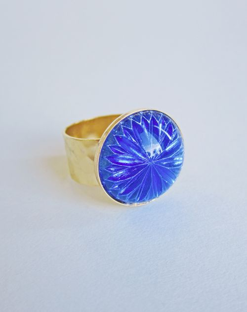 Blue_glass_ring
