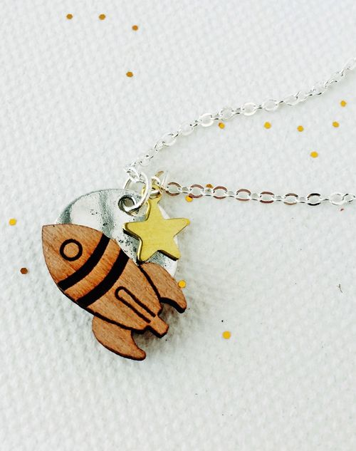 Having_a_blast_rocket_necklace_3