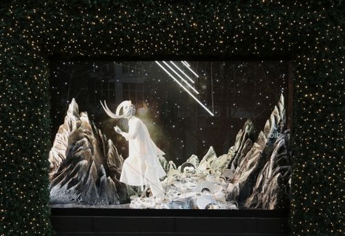 Selfridges Christmas Windows 2015_Journey to the Stars_Zodiac Taurus_0