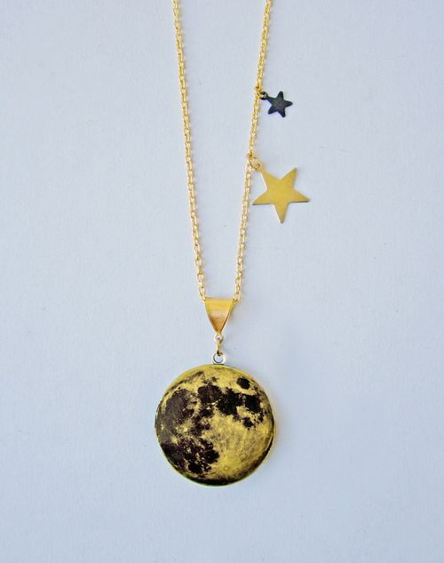New_over_the_moon_locket_1a
